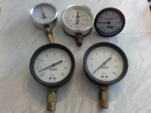 Selection of mid 20thC pressure and temperature gauges